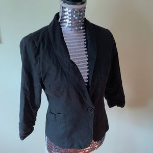 Black Quarter Sleeve Blazer